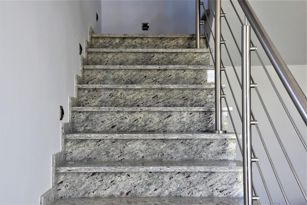 ile kosztuja schody z kamienia